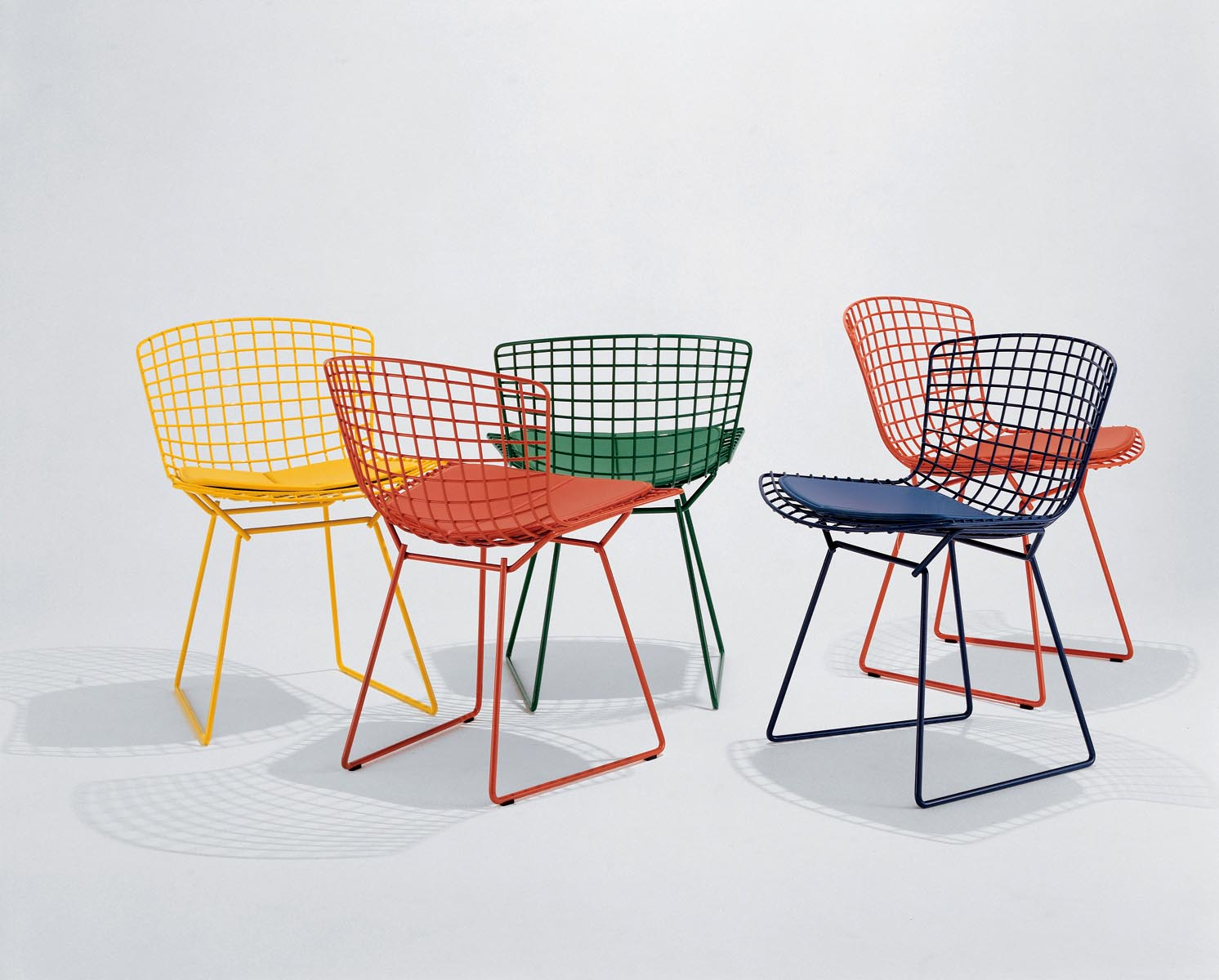 A-cadeira-Bertoia-é-um-ícone-do-design-mundial