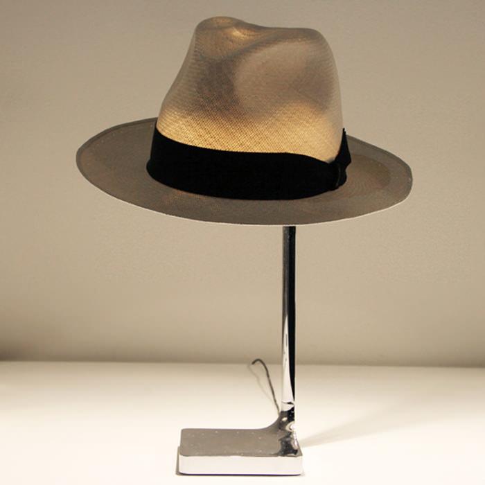 Luminária-chapeau-de-Philippe-Starck