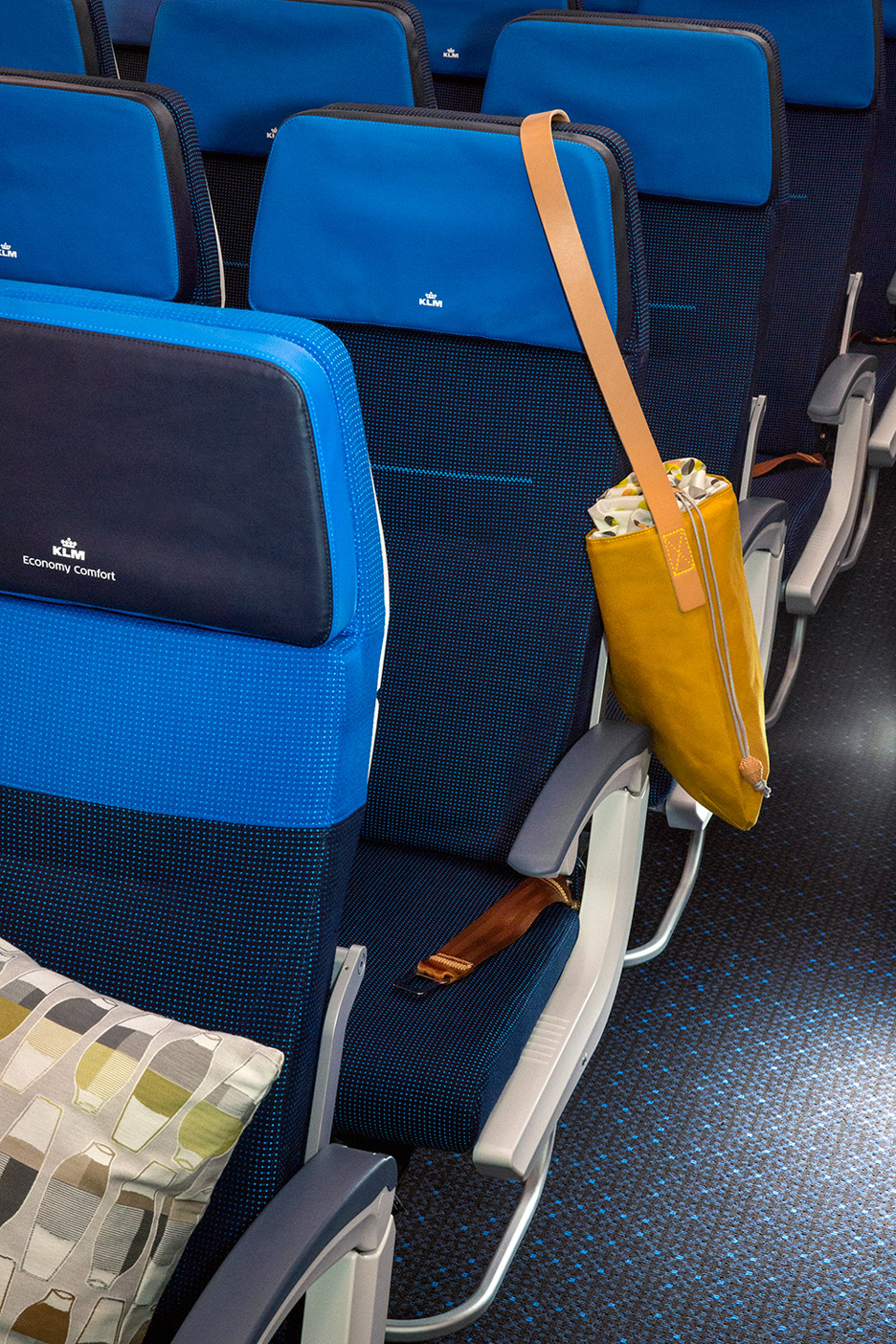 KLM-787_Hella-Jongerius_product-photos_dezeen_936_1