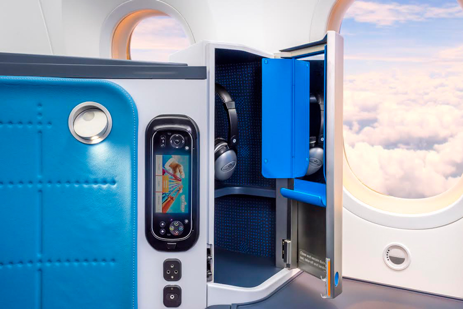 KLM-787_Hella-Jongerius_product-photos_dezeen_936_7